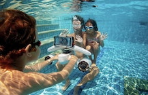 Sublue MixPro underwater scooter has two propellers and waterproof smartphone case