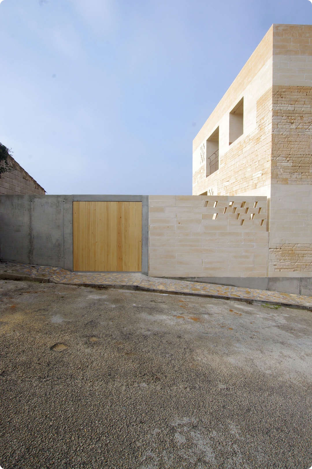 Jordi and África's House by TEd'A arquitectes