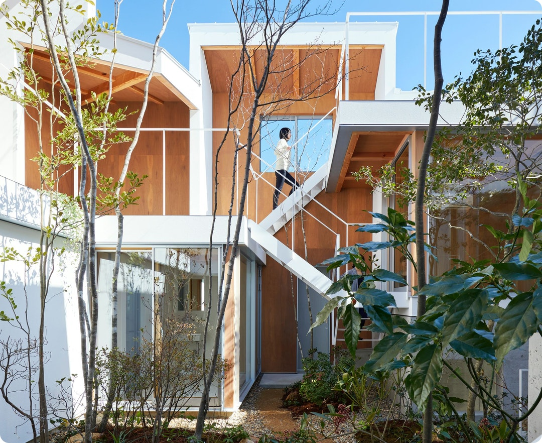 Loop Terrace House by Tomohiro Hata Architects